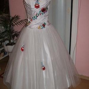 4f704560d2 ... Hajdísz Menyasszonyi ruha, kalocsai himzett, tüllös, Esküvő, Ruha,  divat, cipő,. Kalocsai hímzett menyecske ...