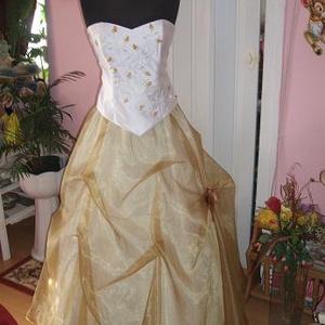 Menyasszonyi, alkalmi, báli ruha, hímzett., Menyasszonyi ruha, Ruha, Esküvő, Hímzés, Varrás, Menyasszonyi, alkalmi, báli ruhát kínálok egyedi tervezéssel. A ruha felsőrésze arany-fehér hímzett,..., Meska