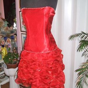 Menyecske, alkalmi, báli ruha, selyem-organza, füzős, Alkalmi ruha & Estélyi ruha, Női ruha, Ruha & Divat, Gyöngyfűzés, gyöngyhímzés, Varrás, Egyedi tervezésű, elegáns piros menyecske, alkalmi, báli, táncruha. Anyaga selyem - organza. Hátán f..., Meska