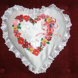 Kalocsai hímzett gyürüpárna, Gyűrűtartó & Gyűrűpárna, Kiegészítők, Esküvő, Hímzés, Varrás, Kalocsai hímzett gyürüpárna, Egyedi készítés. , Meska