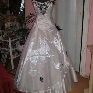 Menyasszonyi ruha, fehér- fekete, himzett,, Esküvő, Menyasszonyi ruha, Ruha, Hímzés, Varrás, Meska