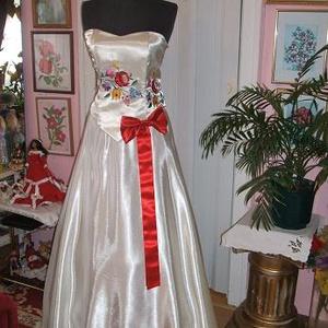 Menyasszonyi, báli, koszorúslány ruha, kalocsai himzett,, Esküvő, Menyasszonyi ruha, Ruha, Hímzés, Varrás, Meska