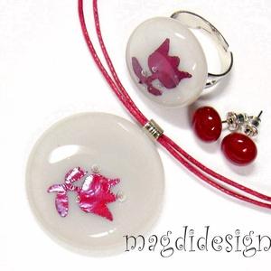 Bíbor tulipán beige tengerben üvegékszer kerek szett, nyaklánc, gyűrű, pötty fülbevaló (magdidesign) - Meska.hu