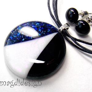 Csillogó fehér, kék, fekete  SZÍNTRIÓ üvegékszer szett, nyaklánc, pötty  fülbevaló  (magdidesign) - Meska.hu