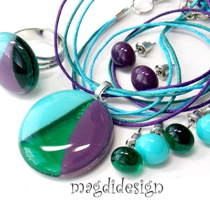 Türkiz, égszínkék, lila SZÍNTRIÓ üvegékszer szett, nyaklánc, gyűrű, 3 pár pötty fülbevaló  (magdidesign) - Meska.hu