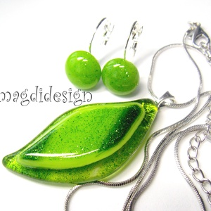 Csillámporos zöld levél üvegékszer szett, nyaklánc, stiftes és kapcsos fülbevaló (magdidesign) - Meska.hu