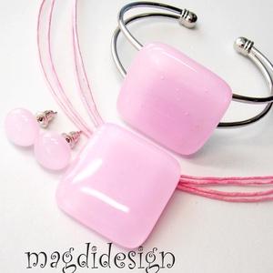 Pasztell rózsaszín üvegékszer szett, nyaklánc, karkötő, fülbevaló, Ékszer, Medál, Karkötő, Fülbevaló, Ékszerkészítés, Üvegművészet, Egyszerűen elegáns, nyaklánc, karkötő, fülbevaló szett. Pasztell, rózsaszín  ékszerüveg felhasználás..., Meska