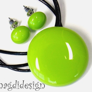 Zöld villanás üvegékszer szett, nyaklánc, fülbevaló, Ékszer, Fülbevaló, Medál, Ékszerszett, Ékszerkészítés, Üvegművészet, Óriási választék egyszínű kerek szettekből boltomban!  Fűzöld ékszerüveg felhasználásával készült a ..., Meska