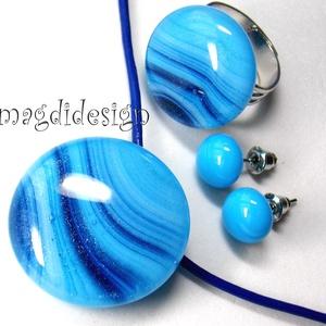 Csillámporos kék tenger üvegékszer szett, nyaklánc, gyűrű, stiftes fülbevaló, Ékszer, Medál, Gyűrű, Fülbevaló, Ékszerkészítés, Üvegművészet, Türkiz-kék, mintás, csillogó ékszerüveg felhasználásával készült a medál, a gyűrű és a stiftes fülbe..., Meska
