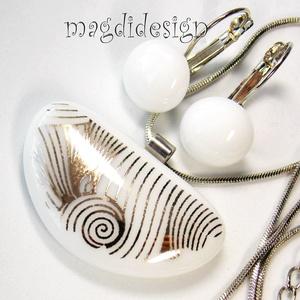 Geometrikus fehér-arany üvegékszer szett, nyaklánc, kapcsos fülbevaló, Ékszer, Medál, Fülbevaló, Ékszerszett, Ékszerkészítés, Üvegművészet, Csillogó platina-arany mintás dichroic ékszerüveg és   fehér ékszerüveg felhasználásával készült a m..., Meska
