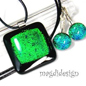 Fekete-smaragd Fúzió üvegékszer szett, nyaklánc, kapcsos fülbevaló, Ékszer, Medál, Fülbevaló, Ékszerszett, Ékszerkészítés, Üvegművészet, Csillogó, smaragdzöld-kék dichroic üveg és fekete ékszerüveg felhasználásával készült a medál és a ..., Meska