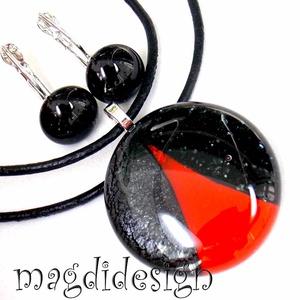 Vörös és csillogó fekete SZÍNTRIÓ üvegékszer szett, nyaklánc, kapcsos fülbevaló , Ékszer, Fülbevaló, Medál, Ékszerkészítés, Üvegművészet, Csillogó fekete aventurin, csillogó grafit szürke és áttetsző piros minőségi, ékszerüvegből készült ..., Meska