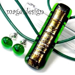 Aranyló moha üvegékszer szett, nyaklánc, stiftes fülbevaló, Ékszer, Fülbevaló, Medál, Ékszerszett, Ékszerkészítés, Üvegművészet, AKCIÓ! Áttetsző zöld és arany csíkos dichroic ékszerüveg felhasználásával készült a medál és a stift..., Meska