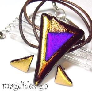 Arany kék SZÍNTRIÓ üvegékszer szett nyaklánc, stiftes fülbevaló, Ékszer, Medál, Fülbevaló, Ékszerszett, Ékszerkészítés, Üvegművészet, Elegáns, vagány, feltűnő, háromszög formájú óarany-arany-lilás kék üvegmedál és háromszög stiftes fü..., Meska