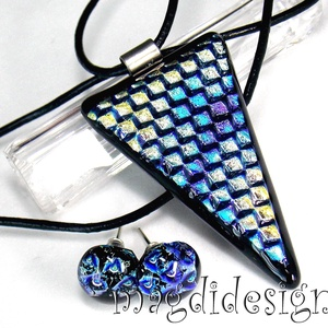 Arany-kék-ezüst színjáték üvegékszer szett, nyaklánc, pötty fülbevaló, Ékszer, Medál, Fülbevaló, Ékszerszett, Ékszerkészítés, Üvegművészet, Fekete ékszerüveg és arany-kék-ezüst mintás dicroic ékszerüveg felhasználásával készült a medál és a..., Meska