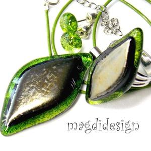 Óarany zöld levél üvegékszer szett, nyaklánc, gyűrű, fülbevaló, Ékszer, Gyűrű, Fülbevaló, Medál, Ékszerkészítés, Üvegművészet, Elegáns, levél formájú medál, gyűrű és hozzá illő fülbevaló.  Áttetsző zöld mintás és csillogó, ezüs..., Meska