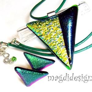 Smaragd-arany  üvegékszer szett, nyaklánc, stiftes fülbevaló, Ékszer, Medál, Fülbevaló, Ékszerszett, Ékszerkészítés, Üvegművészet, Csillogó arany-kék-zöld dichroic és smaragd zöld ékszerüveg felhasználásával készült a medál és a s..., Meska