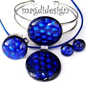 Kék buborékok dichroic  üvegékszer szett, nyaklánc, karkötő, gyűrű, fülbevaló, Ékszer, Medál, Karkötő, Gyűrű, Ékszerkészítés, Üvegművészet, Csillogó, kék-fekete mintás ékszerüveg felhasználásával készült a nyaklánc, a gyűrű, a karkötő és a ..., Meska