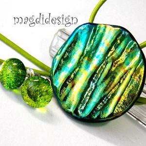 Aranyeső üvegékszer szett, nyaklánc, stiftes fülbevaló, Ékszer, Medál, Fülbevaló, Ékszerszett, Ékszerkészítés, Üvegművészet, Csillogó, kék, zöld, arany, türkiz színek kavalkádja. Szabálytalan forma és hullámzó felület jellemz..., Meska