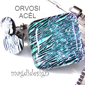 Ezüst-zöld színjáték üvegékszer szett nyaklánc, stiftes fülbevaló, Ékszer, Fülbevaló, Ékszerszett, Medál, Ékszerkészítés, Üvegművészet, Csillogó ezüst-zöld-lila színjátszó dichroic  ékszerüveg felhasználásával készült a medál és a stift..., Meska