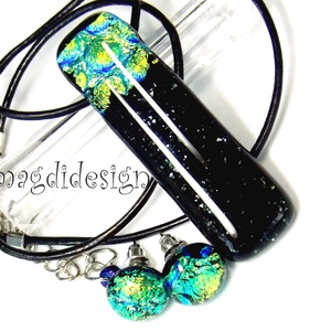Zöld arany fekete Dimenzió 1 üvegékszer szett, nyaklánc, stiftes fülbevaló, Ékszer, Medál, Fülbevaló, Ékszerszett, Ékszerkészítés, Üvegművészet, AKCIÓ!!!!\nHÁRMAT FIZET, NÉGYET VIHET!!\nHÁROM SZETT VÁSÁRLÁSA UTÁN A NEGYEDIK AJÁNDÉK. VÁLASZD KI AZ ..., Meska