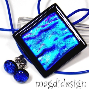 Színjátszó kék üvegékszer szett, nyaklánc, stiftes fülbevaló, Ékszerszett, Ékszer, Ékszerkészítés, Üvegművészet, AKCIÓ! HÁRMAT FIZET NÉGYET VIHET!! HÁROM ÉKSZERSZETT VÁSÁRLÁSA UTÁN EGY SZETTET AJÁNDÉKBA KÜLDÖK.  F..., Meska