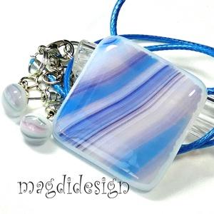 Hullámzó hajnali tenger, üvegékszer szett, nyaklánc, pötty fülbevaló  , Ékszer, Ékszerszett, Ékszerkészítés, Üvegművészet, Púder-lila-kék mintás ékszerüveg felhasználásával készült ez az elegáns medál és pötty fülbevaló, ol..., Meska