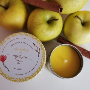 Őszi illatok illatgyertya szett - 1 kicsi Pumpkin Pie és 1 nagy Spiced Apple, Otthon & Lakás, Dekoráció, Gyertya & Gyertyatartó, Gyertya-, mécseskészítés, Varázsold otthonodba az őszi esték illatát ezzel az egyedi, kézzel készített illatgyertya szettel. I..., Meska