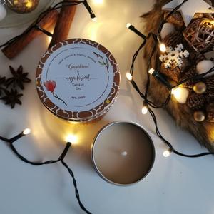 Téli illatok illatgyertya szett - 1 kicsi Mulled Wine és 1 nagy Gingerbread, Otthon & Lakás, Dekoráció, Gyertya & Gyertyatartó, Gyertya-, mécseskészítés, Varázsold otthonodba a téli esték illatát ezzel az egyedi, kézzel készített illatgyertya szettel. Il..., Meska