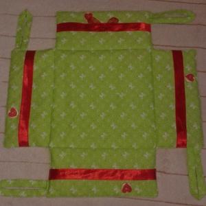 Különleges, legombolható textil kenyértartó - Karácsony mintás textilből is (magnoliakezmu) - Meska.hu