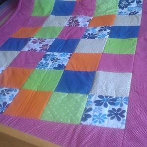 Patchwork takaró és párna, Otthon & Lakás, Takaró, Lakástextil, A patchwork takaró mérete 120x150 cm,  a párna mérete: 40x50 cm. Pamutvászonból készül, közepes vast..., Meska