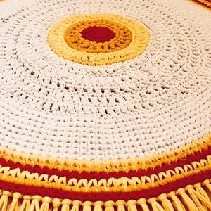 """""""Nap"""" Horgolt szőnyeg, Otthon & Lakás, Lakástextil, Szőnyeg, Horgolás, A napot szimbolizáló szőnyeget kiváló minőségű pólófonalból horgoltam.\nMérete: 115 cm átmérőjű, 1 cm..., Meska"""