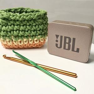 JBL hordozhato bluetooth hangszoró tartó/tok, horgolt, zöld, Táska & Tok, Laptop & Tablettartó, Ebook & Tablet tok, Horgolás, A hordozható hangszóró védelmére  horgolással készítettem a tartót/tokot kiváló minőségű zsinorfonal..., Meska