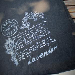 Levendula mintás,kézzel festett, fekete rövid ujjú egyedi póló,kézzel festett (Mahonikashop) - Meska.hu