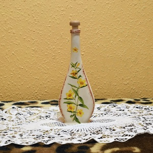 Virággal díszített üveg, Anyák napja, Ünnepi dekoráció, Dekoráció, Otthon & lakás, Konyhafelszerelés, Lakberendezés, Decoupage, transzfer és szalvétatechnika, Festett tárgyak, Mindkét oldalán virággal díszített üveg, amelybe tehetünk valamilyen különleges olajat, alkoholt, de..., Meska