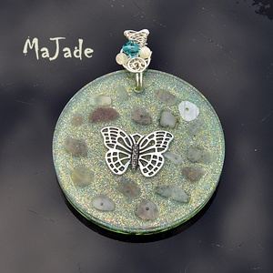 Pszükhé orgonit medál holkővel, rózsakvarccal és hegyikristállyal, ingyenes szállítással, Ékszer, Medál, Ékszerkészítés, Pszükhé medál swarovski kristállyal. Pszükhé ógörögül pillangót jelent. A pillangó a lélek fejlődésé..., Meska