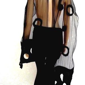 Nuno nemez fekete selyem stóla, Stóla, Sál, Sapka, Kendő, Ruha & Divat, Nemezelés, Nuno nemez. Fekete Hernyóselyem és Ausztrál merinó gyapjú, kézzel nemezelt stóla, vagy sál. A legjob..., Meska