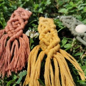 Makramé kulcstartó , Táska, Divat & Szépség, Kulcstartó, táskadísz, Csomózás, Makramé kulcstartó fa gyönggyel vagy anélkül a képen látható variációban. Az alábbi színekben tudom ..., Meska