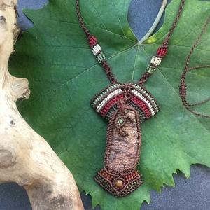 Élet fácska nyaklánc, Ékszer, Nyaklánc, Csomózás, A nyaklánc tengeri uszadék fa kérgéből készült, tigrisszem gyöngy díszíti. A fa motívum kiváló minős..., Meska