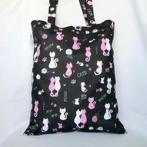 Szerelmes Cicák Szatyor, Táska & Tok, Bevásárlás & Shopper táska, Shopper, textiltáska, szatyor, Varrás, \nVállon hordható, könnyű pamutszatyor rózsaszín és fehér szerelmes cicákkal. Vidám, tartós, praktiku..., Meska