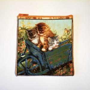 Cicák Talicskában Neszesszer, Táska & Tok, Neszesszer, Varrás, Tündéri tartó cicákkal, apróságaid kényelmes és igényes tárolásához. Ajándékba is tökéletes.\nPostázá..., Meska