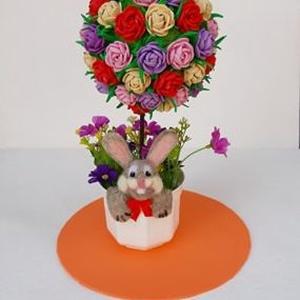 Húsvéti virágfa, gömbfa, Otthon & lakás, Dekoráció, Dísz, Ünnepi dekoráció, Húsvéti díszek, Lakberendezés, Asztaldísz, Mindenmás, Nemezelés, Húsvéti virágfa, gömbfa \n\nSaját készítésű dekorgumi rózsákból álló gömb képezi ezen alkotásom közpon..., Meska