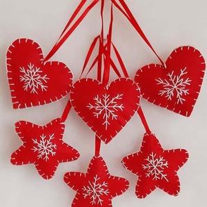 Hímzett karácsonyi szett, Karácsonyfadísz, Karácsony & Mikulás, Otthon & Lakás, Hímzés, Mindenmás, Filcből varrtam és hímeztem a karácsonyi kis szív és csillag díszt, melynek mérete szalaggal együtt ..., Meska