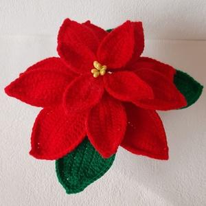 #Mikulásvirág - horgolt piros mikulásvirág, Otthon & Lakás, Dekoráció, Asztaldísz, Horgolás, Mindenmás, Horgolt, piros színű mikulásvirág kaspóba rögzítve.\nMagassága kaspóval együtt kb. 14- 15 cm.\n\nSzobad..., Meska