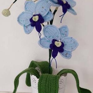 Kék horgolt orchidea, Dekoráció, Otthon & Lakás, Horgolt & Csipketerítő, Horgolás, Mindenmás, Horgolt, kék színű orchidea kaspóba rögzítve.\nMagassága kaspóval együtt kb. 37 cm.\n\nSzobadísznek ajá..., Meska
