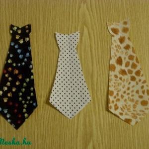 Pólóra vasalható nyakkendő - Ötletfotóval -nyakkendő - többféle 350.-Ft, Textil, Felvarrható kellék, Varrás, Textil, Mindenmás, Dobd fel ruhatárad!\n\nVasalható textilmatrica - rátét\n\nÚjdonság!!!\n\nNyakkendők\n\n1 db 350.-Ft\n\nméret: ..., Meska