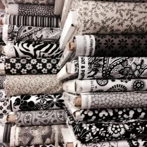 Fekete és fehér és sok más 46 féle  110 cm  széles minőségi textil  USA design  - Meska.hu