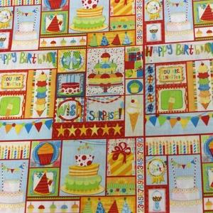 Boldog Születésnapot! USA design textil 55 x 30 cm, Textil, Bársony, Mindenmás, Varrás, Textil, Boldog Születésnapot!\n\nUSA design patchwork textil\n\n100% poamut\n\n55 x 30 cm 700.-Ft/db\n\nMás mintával..., Meska