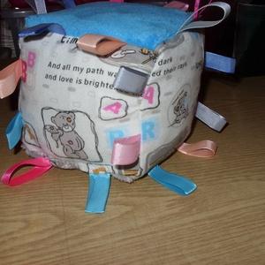 Me to You macis csörgős puha baba kocka 13 x 13 cm  100% pamut Baba kézbe - játék & gyerek - 3 éves kor alattiaknak - babakocka - Meska.hu