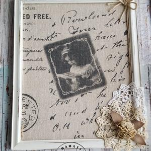 Régi képkeret újragondolva, vintage kislány csipkével, Dekoráció, Otthon & lakás, Kép, Lakberendezés, Falikép, Horgolás, Festett tárgyak,  Régi képkeret, régi csipkék, kevés lenvászon és átalakult vintage képpé .\nMéret: 21,5 cm x 26,5 cm\n..., Meska
